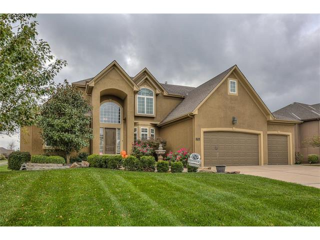 701 SW Admiral Byrd Drive, Lee's Summit, MO 64082