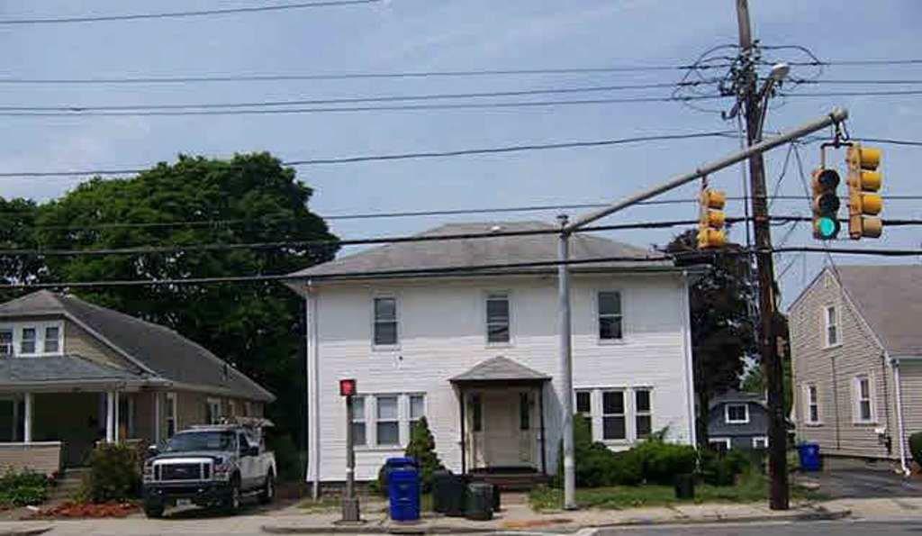 3113 - 3115 Pawtucket AV, East Providence, RI 02915
