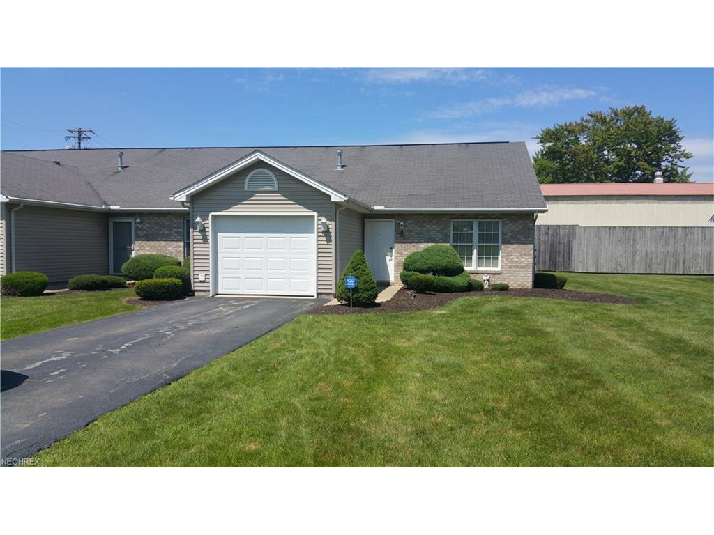 240 Bayview Dr, Cortland, OH 44410