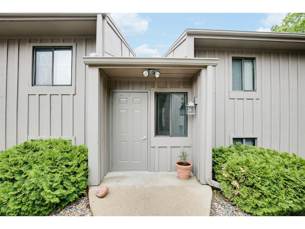 7236 Vista Court, Eden Prairie, MN 55346