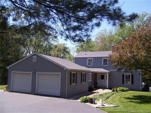 189 Lanyon Dr, Cheshire, CT 06410