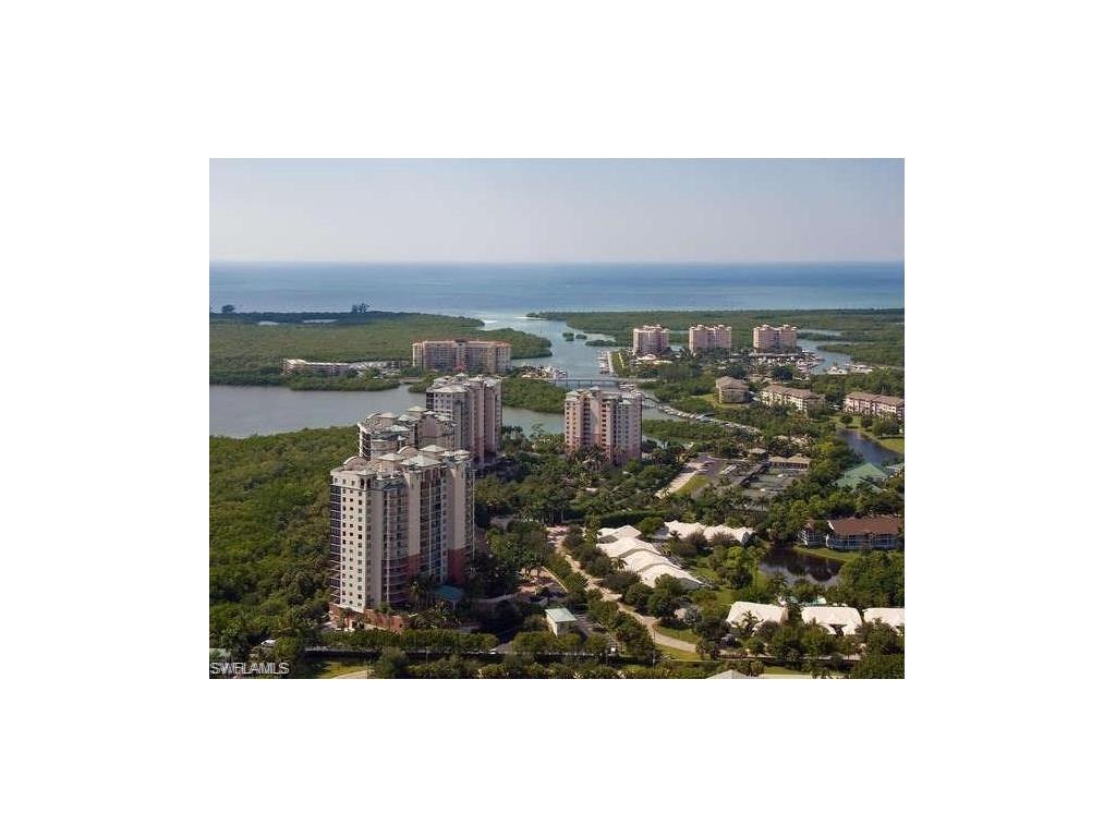 425 Cove Tower DR 304, NAPLES, FL 34110