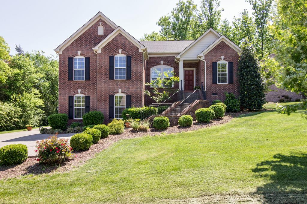 1305 Burton Valley Rd, Nashville, TN 37215