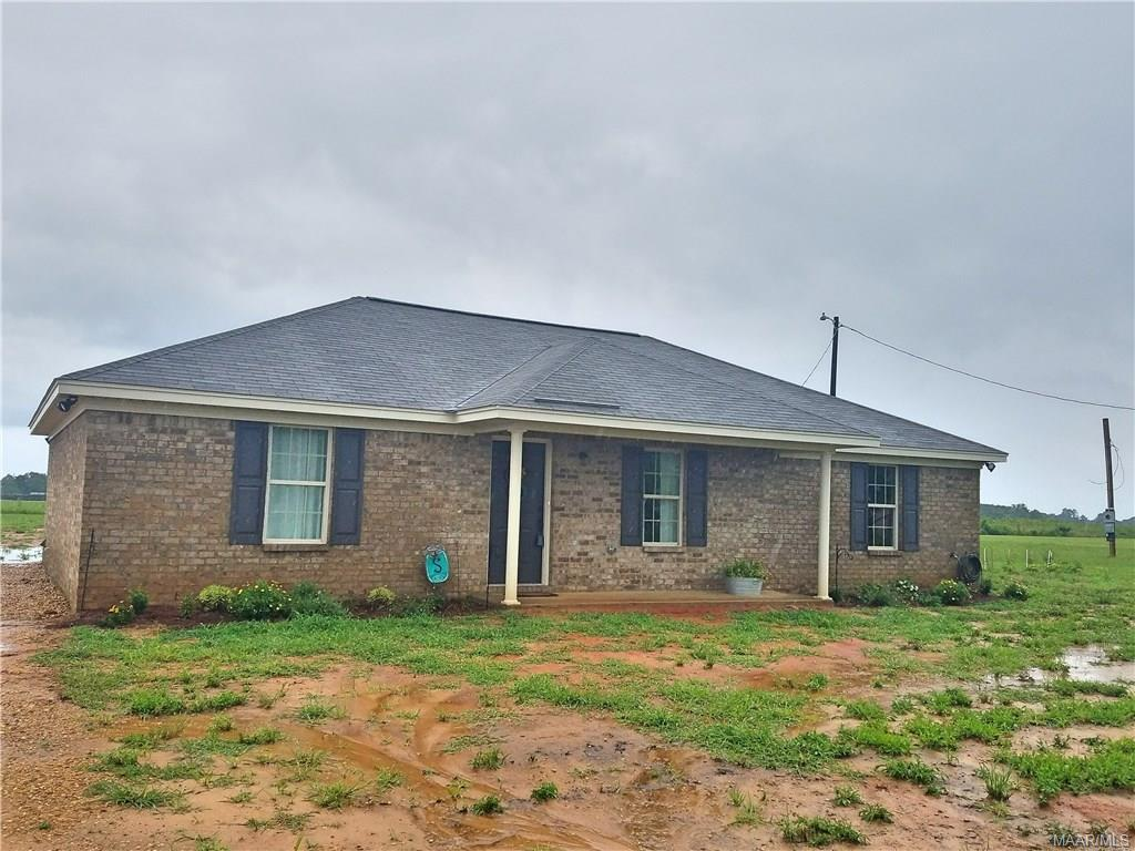 384 New Harmony Road, Deatsville, AL 36022