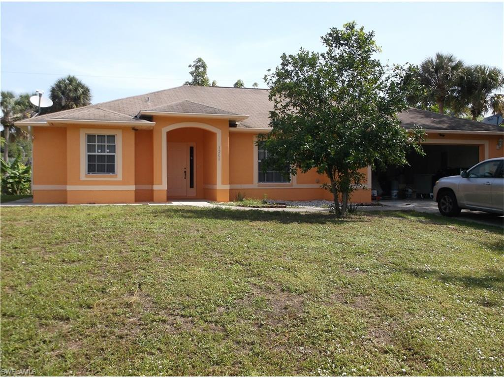 1201 Crestview PL, LEHIGH ACRES, FL 33936