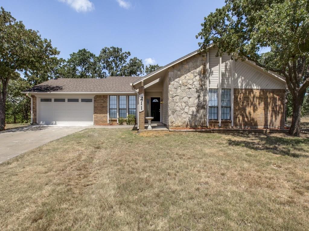 211 Willow Creek Court, Mansfield, TX 76063