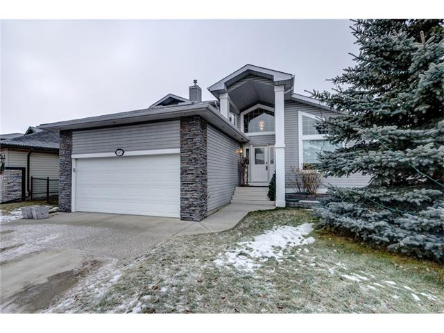 143 Cove Drive, Chestermere, AB T1X 1G1