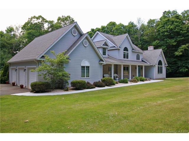 215 Upper Whittemore Rd, Middlebury, CT 06762