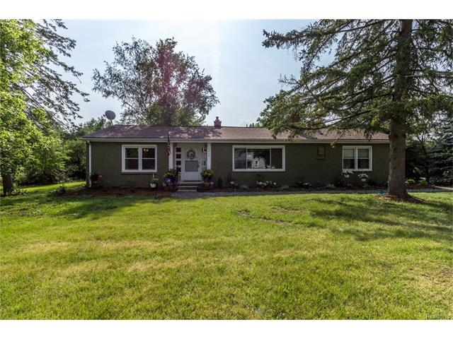 2660 HESSEL Avenue, Rochester Hills, MI 48307