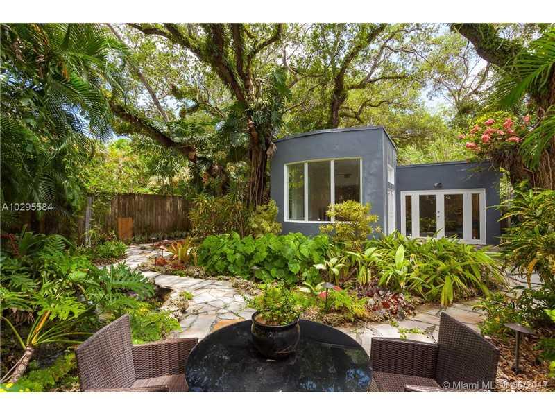 3940 Loquat Ave, Coconut Grove, FL 33133