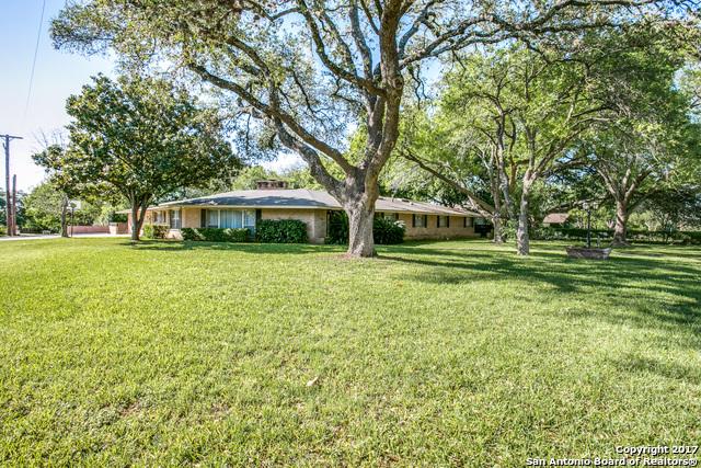 110 BRIARCLIFF DR, Castle Hills, TX 78213