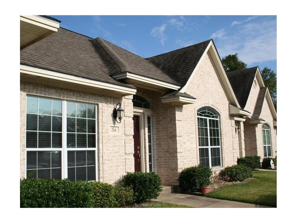 214 Fraternity   Row, College Station, TX 77845