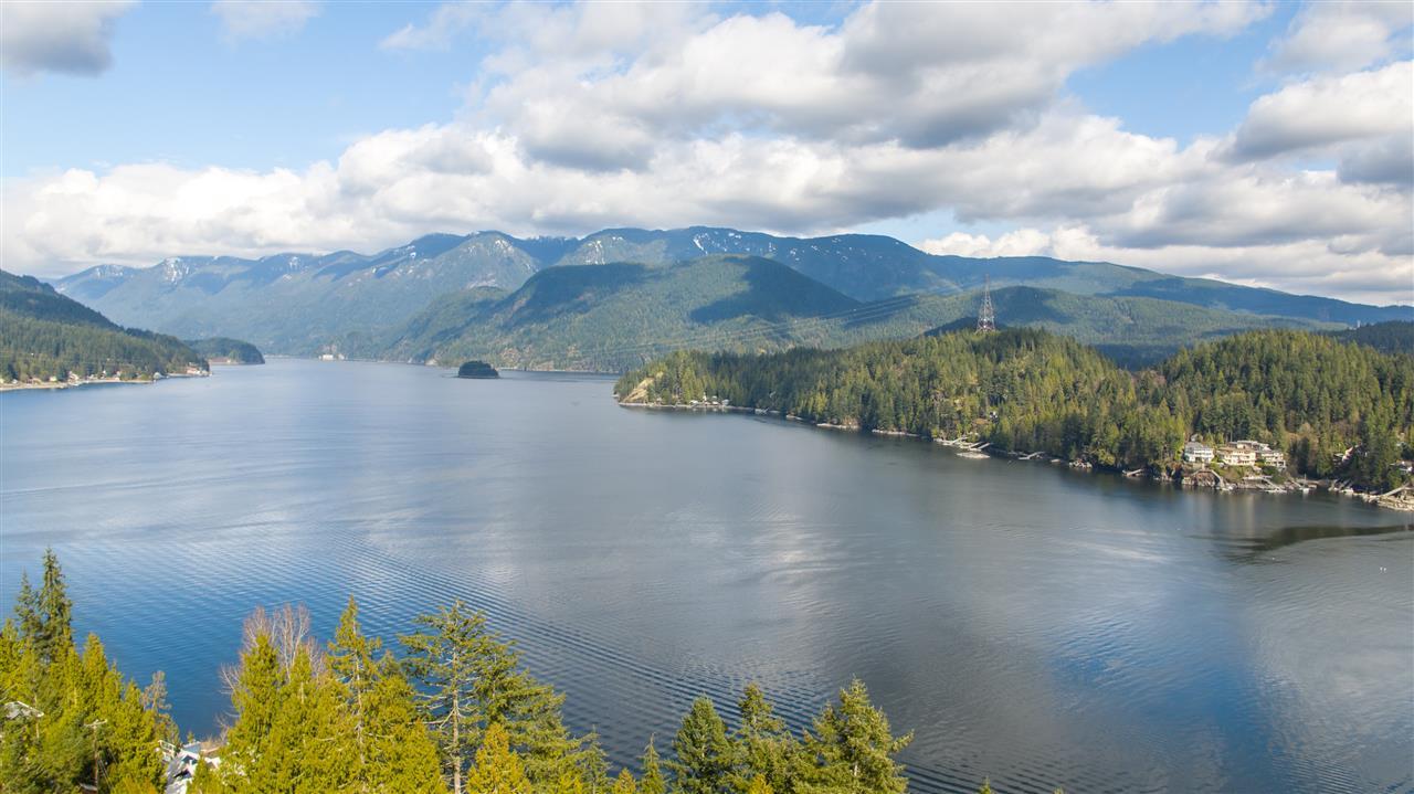 1672 ROXBURY PLACE, North Vancouver, BC V7G 1Z1