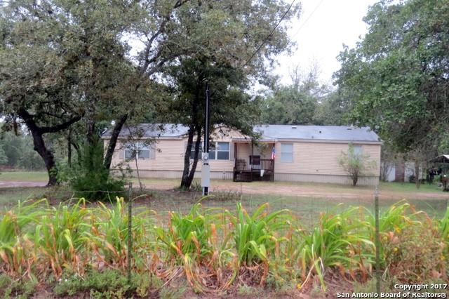 129 OAK HILL RD, La Vernia, TX 78121