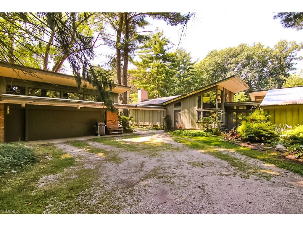 6 Wintergreen Hill Dr, Painesville Township, OH 44077
