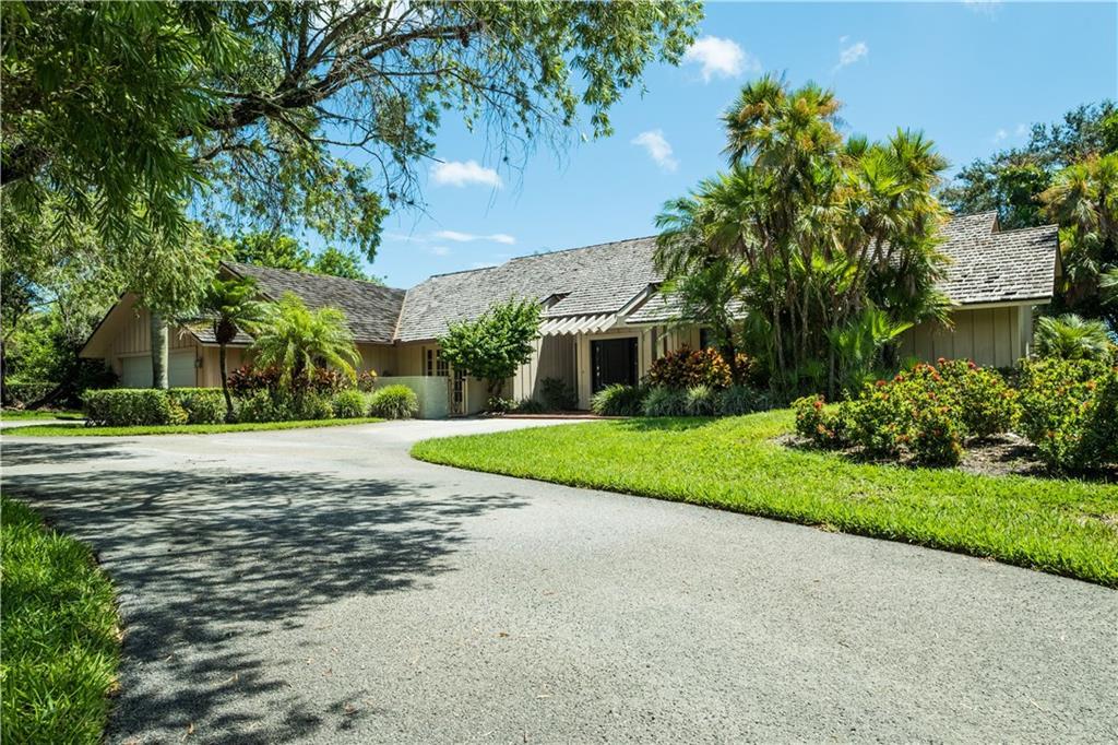 6051 SE Medinah Lane, Stuart, FL 34997