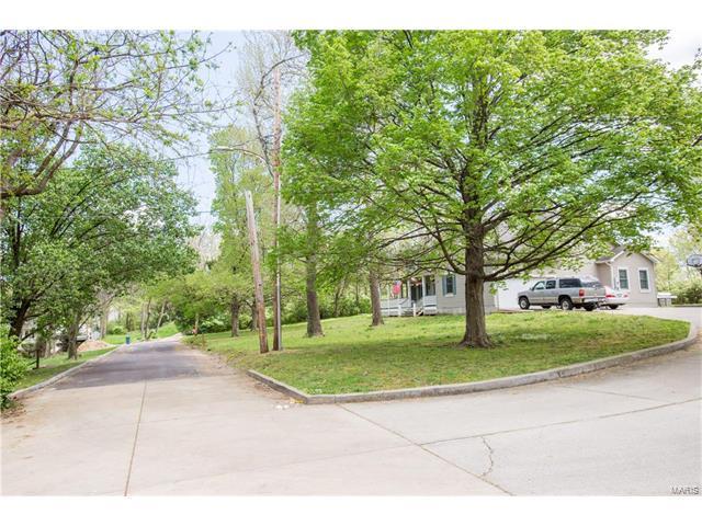 Emmerson, Kirkwood, MO 63122