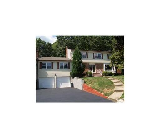 14 Huron Court, East Brunswick, NJ 08816