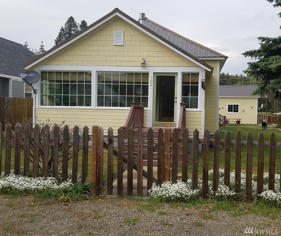 702 Lincoln Ave, South Cle Elum, WA 98943