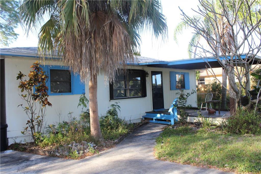 6431 SE Clairmont Place, Hobe Sound, FL 33455