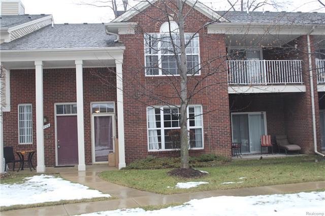 1713 Deepwood CIR, Rochester, MI 48307