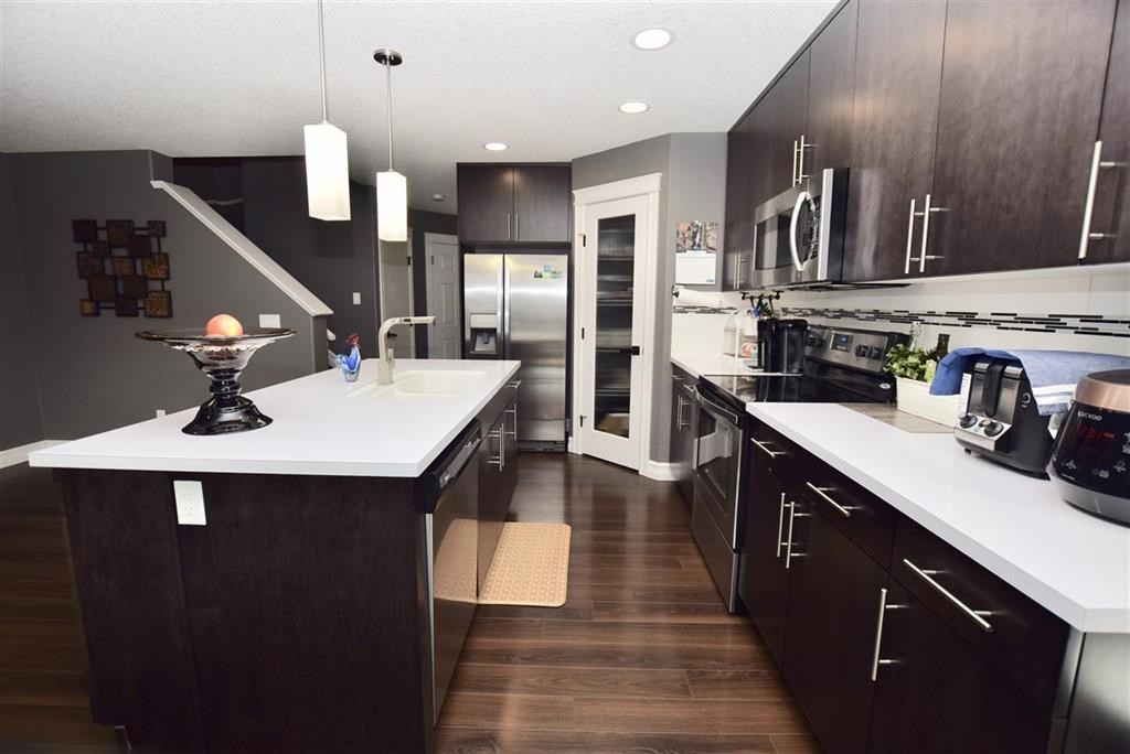 17345 6A Avenue, Edmonton, AB T6W 2A8
