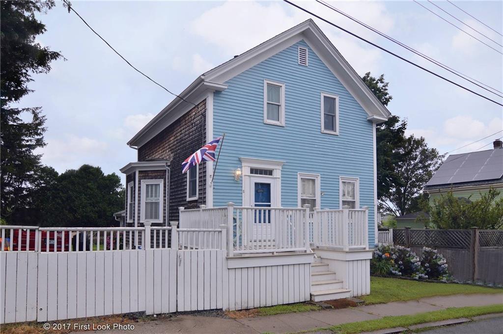8 Prescott Hall RD, Newport, RI 02840