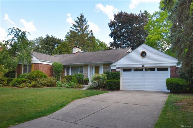 18275 BIRWOOD Avenue, Beverly Hills Vlg, MI 48025