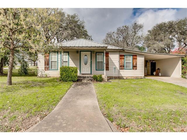 104 Ranchview Dr, Johnson City, TX 78636