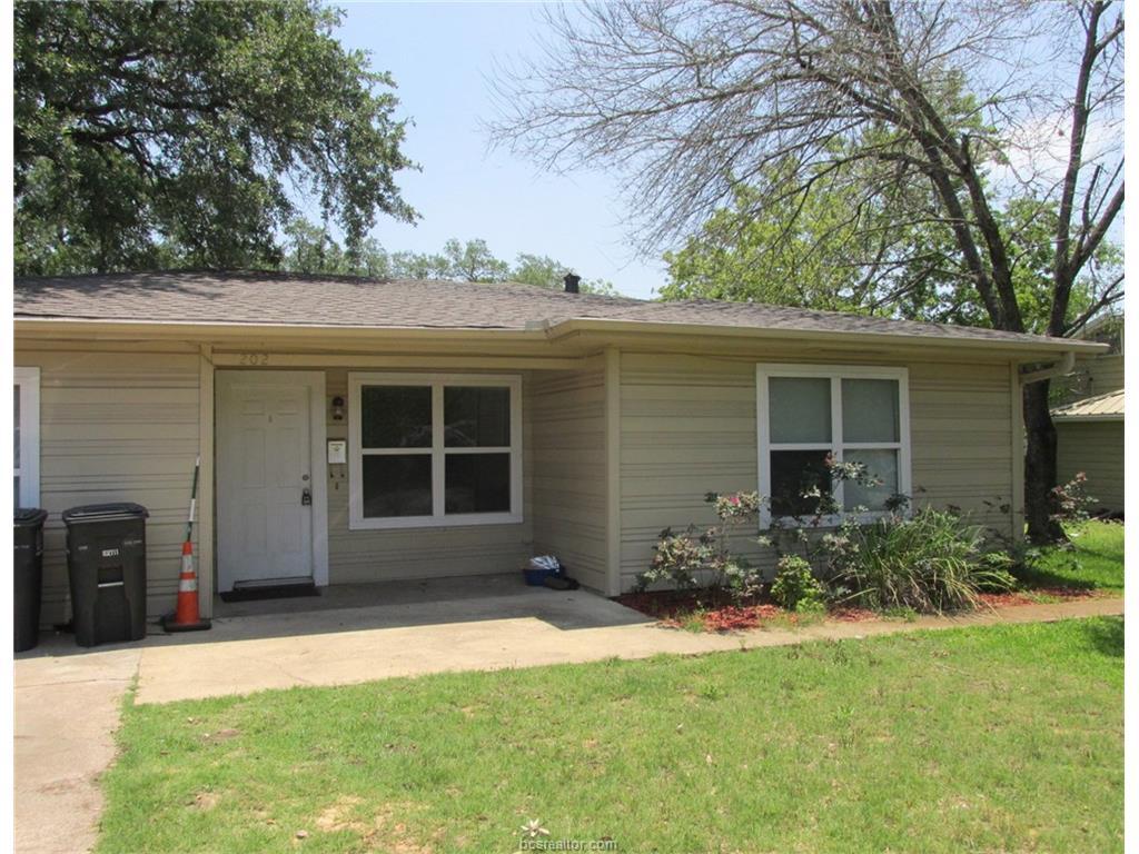 202 Walton Drive, College Station, TX 77840