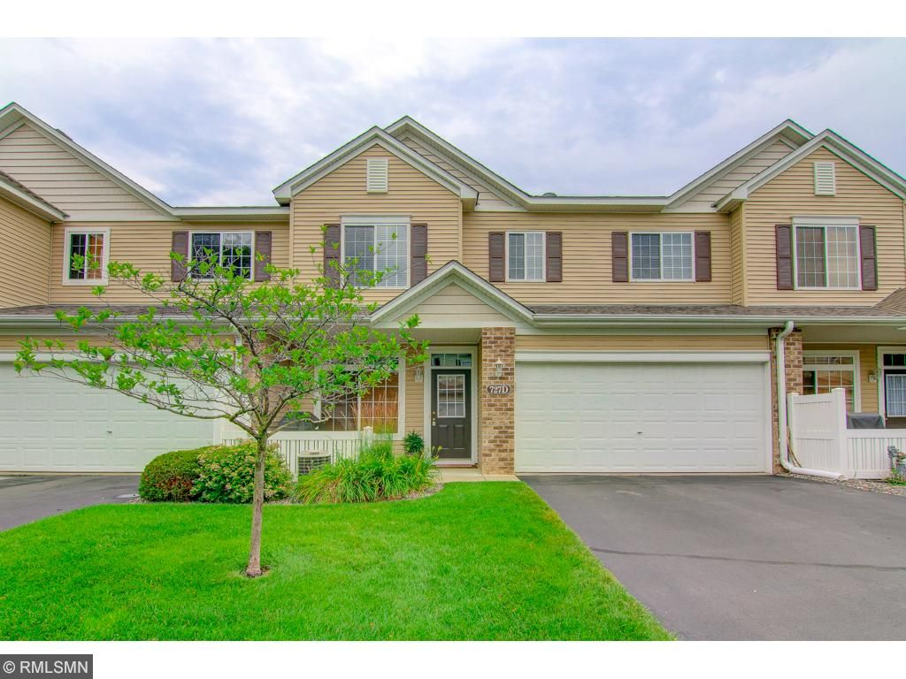 727 Maple Hills Drive, Maplewood, MN 55117