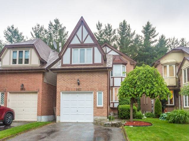 967 Mountcastle Cres, Pickering, ON L1V 5K1