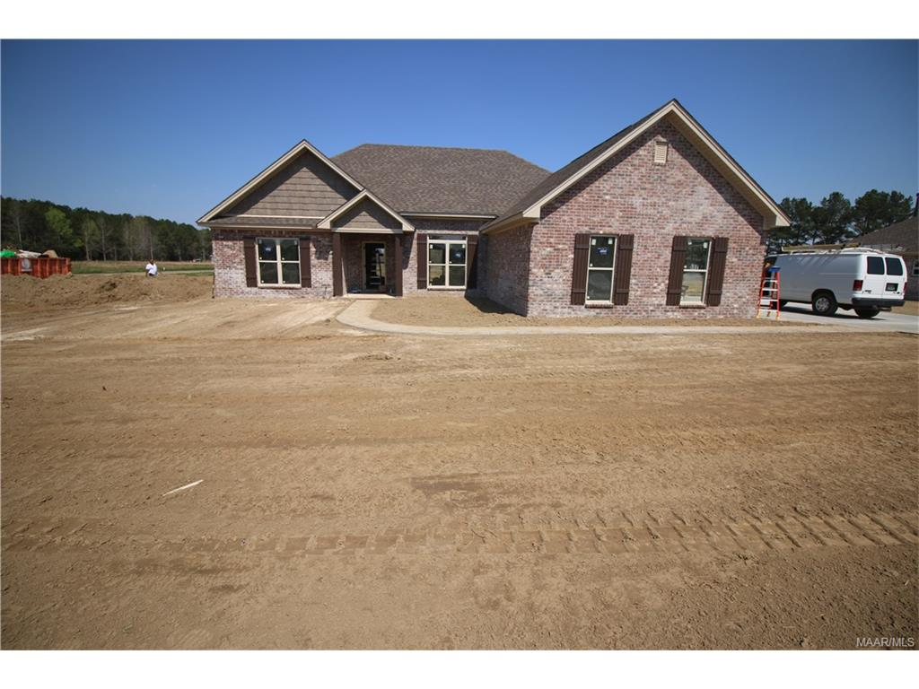 531 Blackberry Road, Deatsville, AL 36022