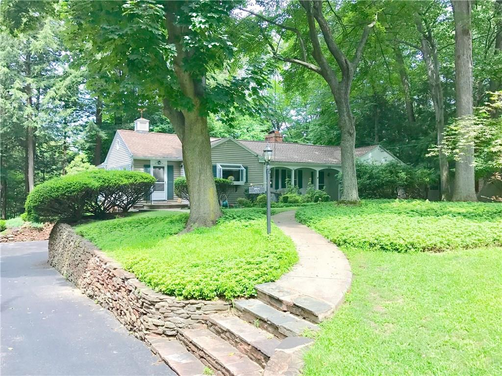 515 Oakridge Drive, Irondequoit, NY 14617