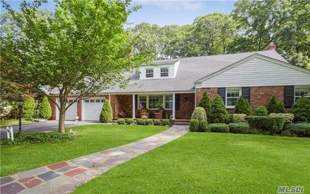 57 Reeve Rd, Rockville Centre, NY 11570