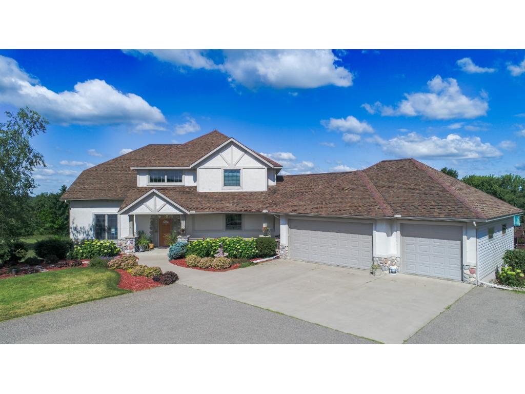 444 Artisan Meadow Drive, Troy Twp, WI 54016