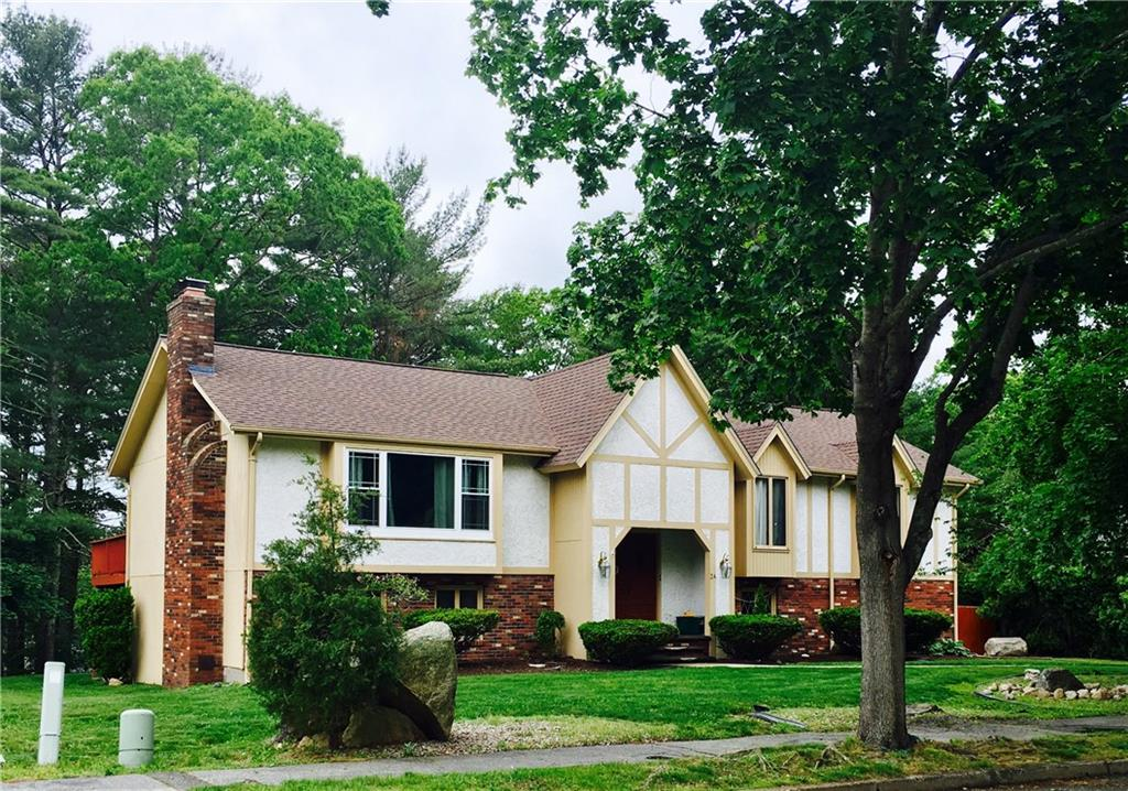 24 West View DR, Coventry, RI 02816