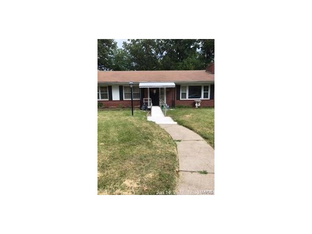 1122 E Parkedge, St Louis, MO 63130
