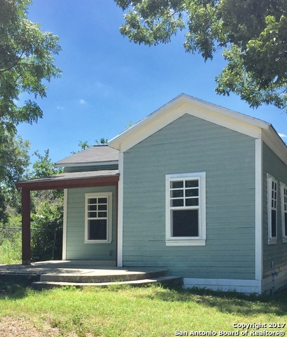 1125 N OLIVE ST, San Antonio, TX 78202