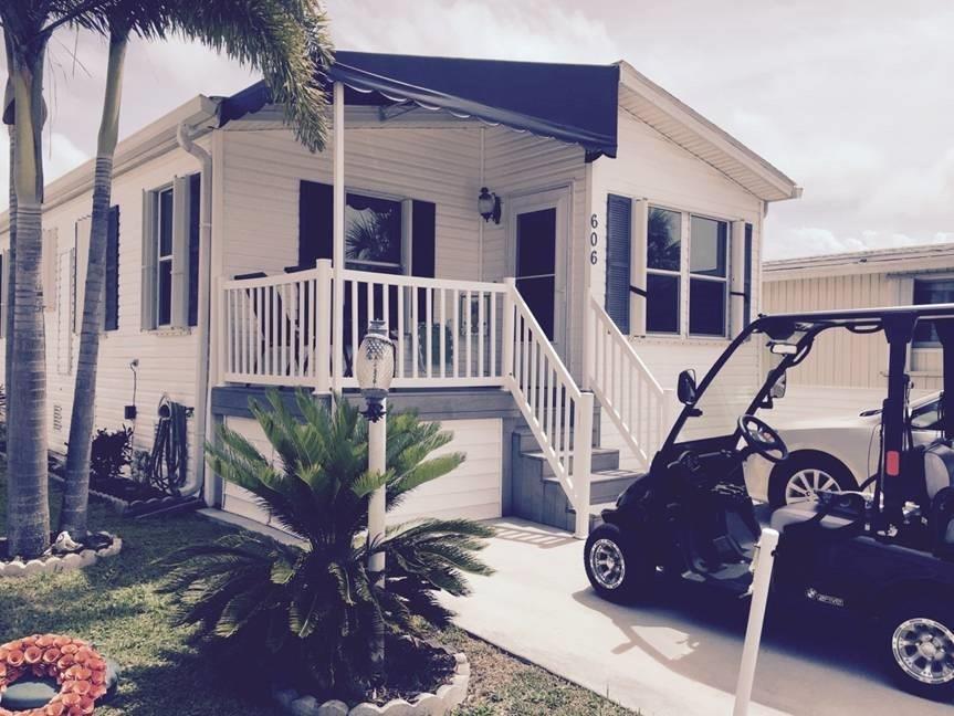 606 Nettles Blvd, Jensen Beach, FL 34957