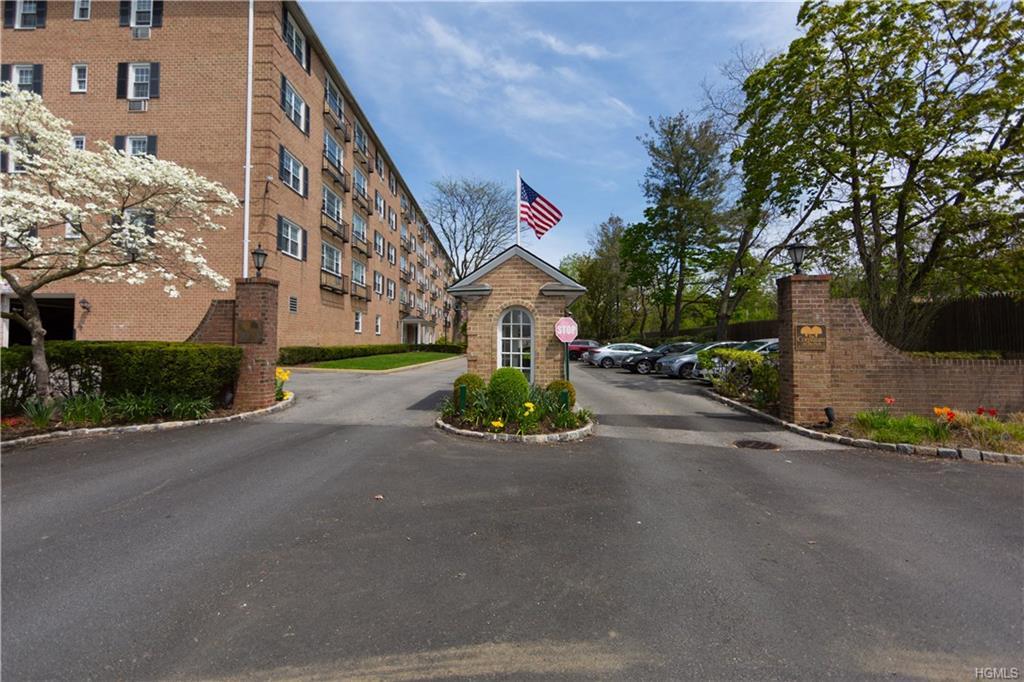 1 Consulate Drive 2B, Tuckahoe, NY 10707