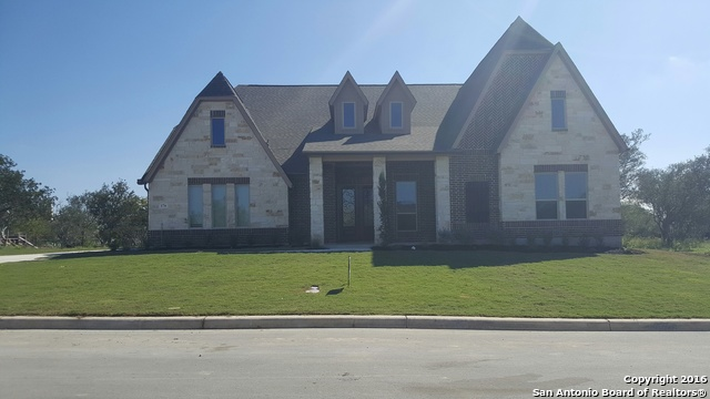 176 JASEMIN LEAF, Castroville, TX 78009