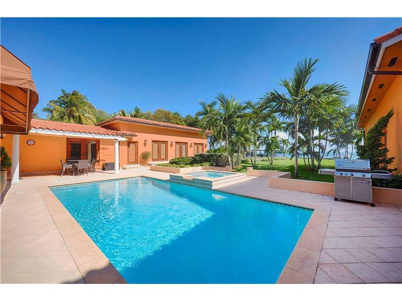 5851 N Bayshore Dr, Miami, FL 33137