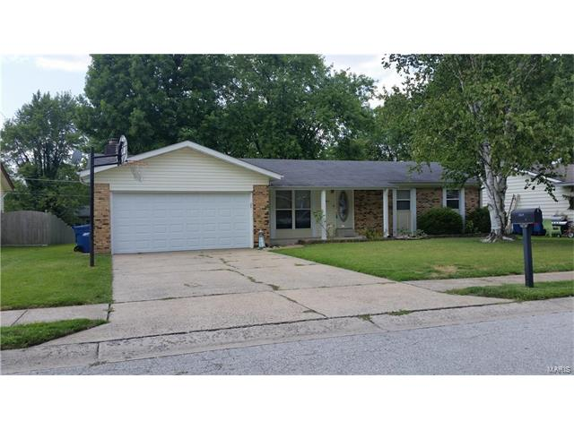 2817 Olde Worcester, St Charles, MO 63301