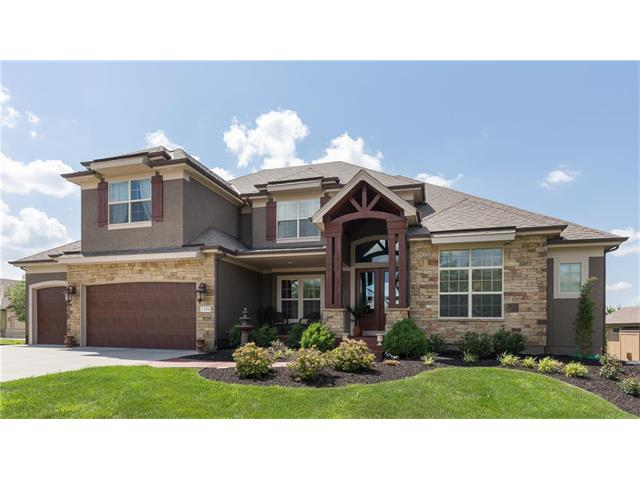 1700 NE Lashbrook Drive, Lee's Summit, MO 64086
