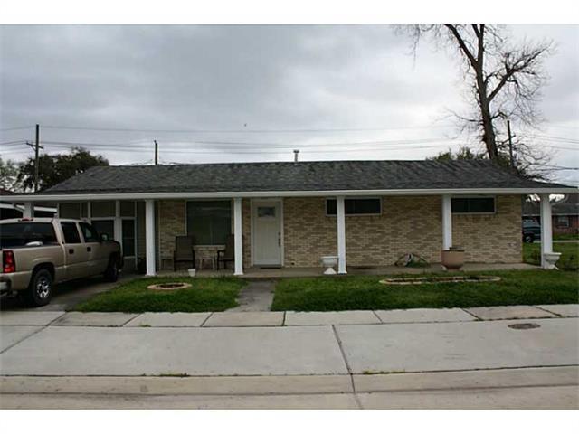 2217 KENNETH Drive, VIOLET, LA 70092
