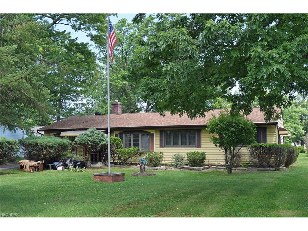 38269 Hurricane Dr, Willoughby, OH 44094