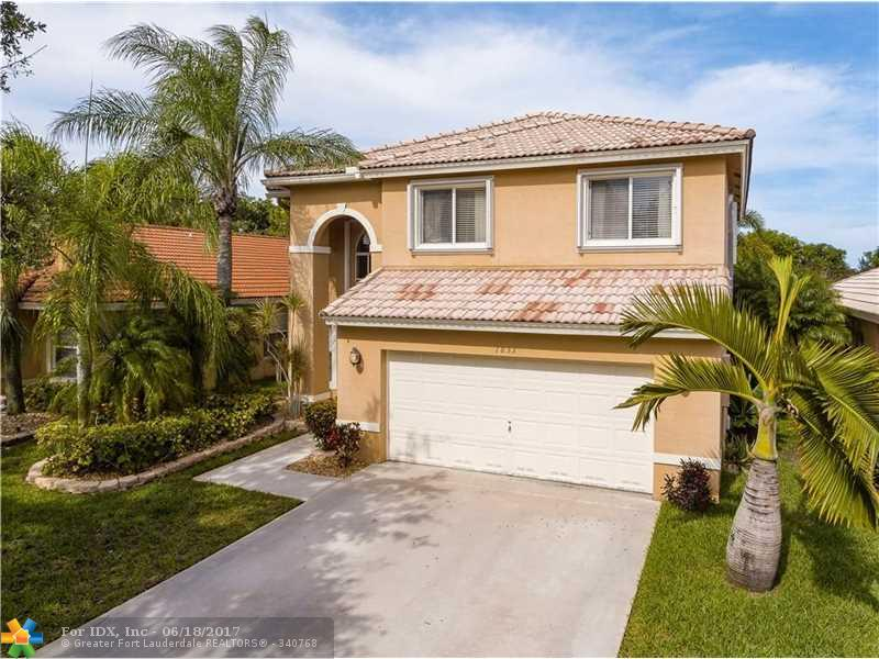 1833 NW 208th Ter, Pembroke Pines, FL 33029