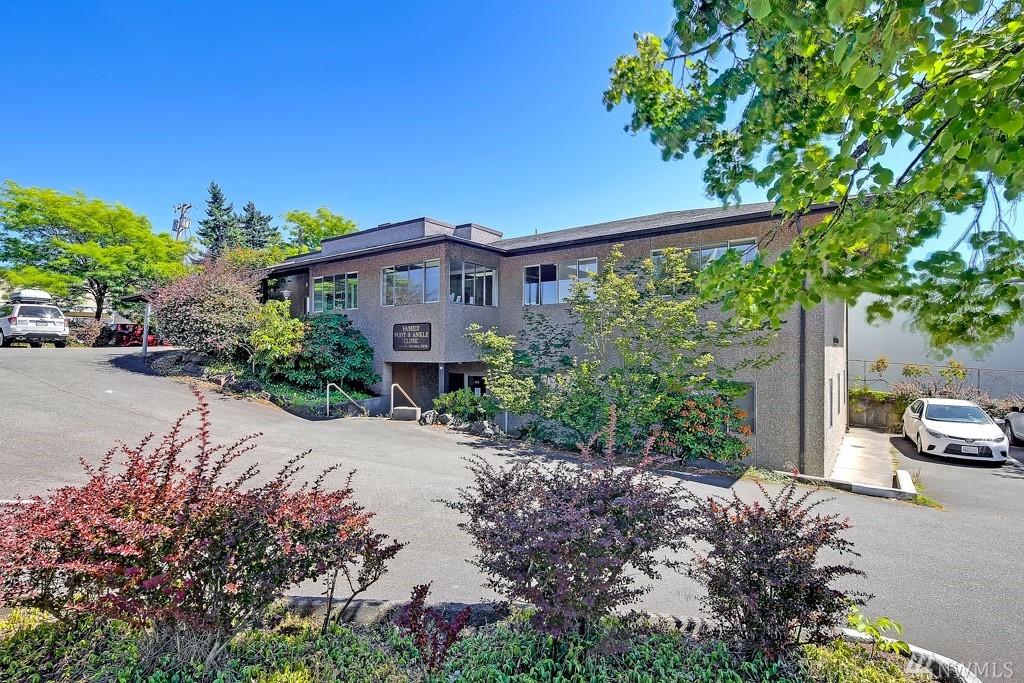 11545 15th Ave NE, Seattle, WA 98125