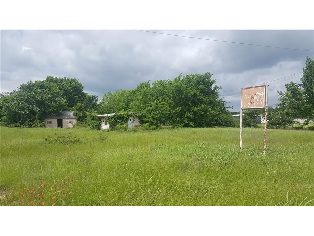 631 S Seven Points Boulevard, Kemp, TX 75143